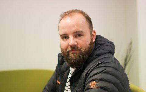 KREV SVAR: SV-politikar og far Jón Valur Ólafsson krev at dei sju barna i Stavang barnehage får utsett frist til å søke ny barnehageplass, dersom barnehagen deira blir lagd ned.