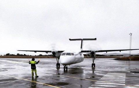 FLYKRØLL: Fleire gonger den siste tida har fly ved flyplassen i Florø blitt kansellerte.