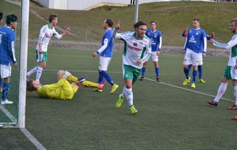 Nytt dekke: Joacim Olsen og Kråkerøy må også denne sesongen spille hjemmekampene sine på Fredrikstad Stadion. Neste sesong derimot kan laget ta i bruk sin helt nye kunsgressbane. (foto: Jørn Kristoffersen)