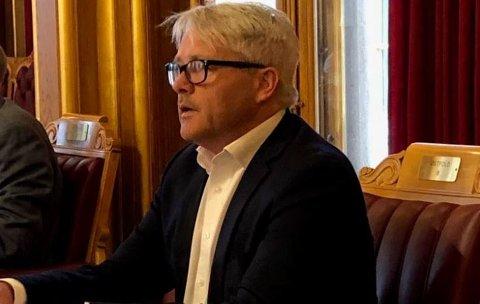 Får kritikk: Bjørnar Laabak har vært vikar for Erlend Wiborg på Stortinget denne uken. Onsdag stemte Frp for delvis bompengefinansiering av tre nye veiprosjekter.