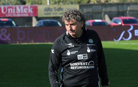 SYK SIST: For første gang siden Jan Halvor Halvorsen forlot FFK får han møte gamleklubben igjen. I våres møte på Fredrikstad Stadion var Bryne-treneren syk.