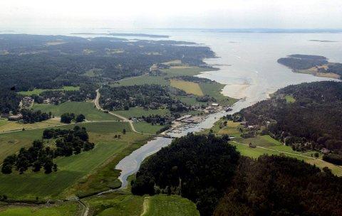 Bygger ut: Akerskogen ligger på motsatt side av Krogstadfjorden marina, vest for Saltnesveien. Her skal det bygges 26-28 nye hytter.