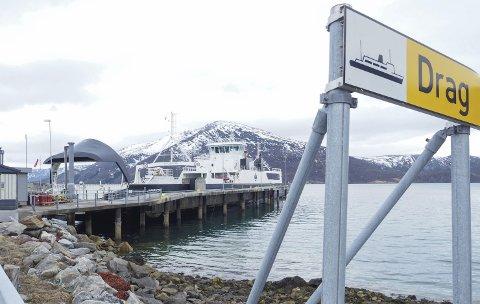 På hver sin side: Synet på prosessen rundt kommunesammenslåingen er forskjellig på de ulike sidene av fjorden.