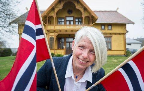 MIDDAG: Eva Molberg, som driver Negarden 1897 på Flisa, satser på å holde åpent for middagsgjester 17.  mai i år selv om korona reglene setter begrensninger.