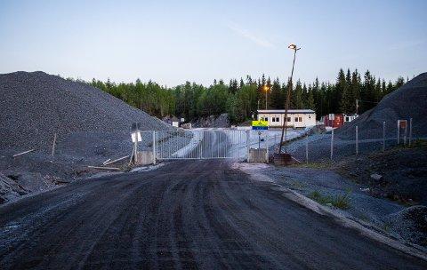 Naboene til Lillehammer pukkverk er kritiske til driften som de mener har alvorlige mangler.