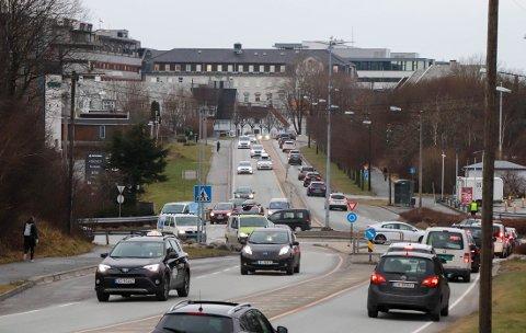 ENDRING: Normalt er Karmsundgata full av trafikk, som her. På halvannen uke er mye endret.