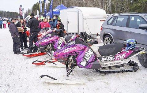 PÅ PLASS: Team Daleng på plass i Østersund på Arctic Cat Cup sist helg.  FOTO: Arrangøren