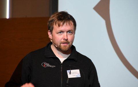 TUNG TID: Vegard Berge Uglebakken driver Nordespidisjon og Stakeriet. Han og hans kolleger i reiselivsnæringen har gått fra fulle ordrebøker til tomme ordrebøker over natten.