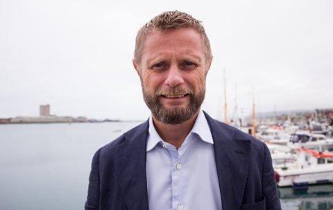 Helseminister Bent Høie (H) sier det kommer oppdaterte reiseråd førstkommende fredag.
