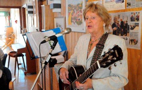 HOLDER KOKEN: GT-Sara er 95 år, men holder fortsatt koken. Lørdag 9. november er hun gjest under BB Events rakfiskaften på Momoen.
