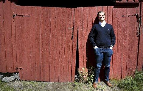 ROLLE: Tobias Drevland Lund har mange år bak seg som skuespiller i Kragerø Barneteater. Han har hatt mange roller. Nå blir det viktigere enn noensinne å spille en rolle – en rolle for dem som ikke har det så bra i Norge.