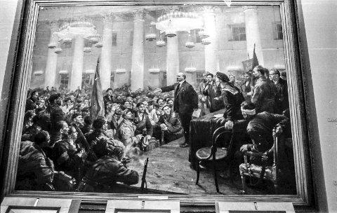 Lenin-museet i Moskva: «Lenin taler på den andre sovjetkongressen i 1917», malt av Vladimir Serov. Foto: Jimmy Åsen
