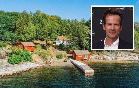 HOLDER SEG I KRAGERØ: Jon Almaas har feriert i Kragerø i en årrekke. Dette er den tredje fritidseiendommen i rekken. Sveip eller klikk på pilene for å se flere bilder.