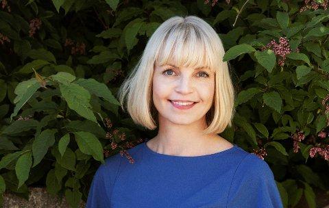 DEBUTANT: Kristine Rui Slettebakken har nå fått sin første bokutgivelse. Hun er spent på tilbakemeldingene som måtte komme.