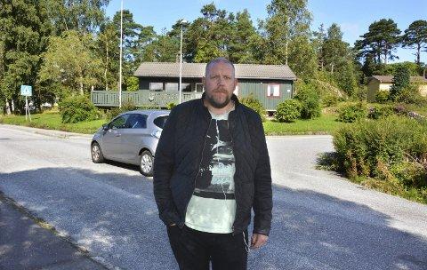 Trafikktryggleik: Leiar i FAU ved Undarheim skule, Karl Petter Vårdal, ønskjer at kommunen ryddar opp i trafikkfeller i skuleområdet før skulestart.