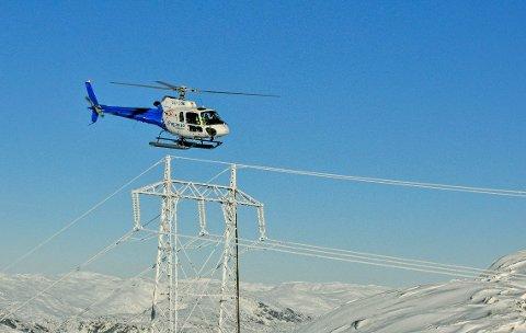 Linjebefaring med helikopter frå helikopterselskapet Pegasus.