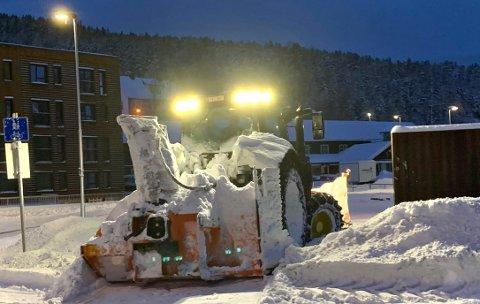 STORE MENGDER: Det snør en del i Kongsberg-distriktet onsdag, men torsdag blir det regn.