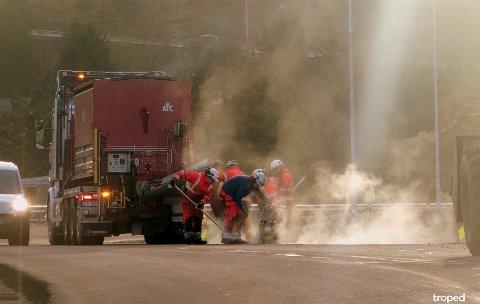 Bildet ble tatt da entreprenøren jobbet på strekningen mellom Buksnesbrekka og Gjerstadåsen.