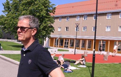 PULJEVIS: Ståle Andersen melder om puljevis undervisning og puljevis bespisning ved KVS, som er i full drift igjen fra torsdag.