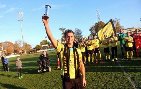 EN LEGENDE: Thomas Klaussen (31) har etter lang og tro tjeneste for Moss Fotballklubb skrevet seg inn i historiebøkene. Nå skal MFK-kapteinen hedres med testimonial-kamp på Melløs.