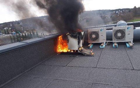 - Dette var før Obre kom til stedet, skriver Oslo brann- og redningsetat på twitterloggen sin. FOTO: OBRE