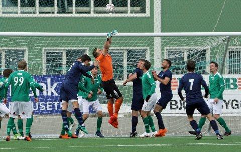 STORTAP: Fløya møtte Lyn i toppkamp på Bislett stadion lørdag. Der ble det et 1-5-tap mot den tidligere storheten. Her fra en tidligere anledning.