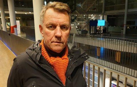 TØFFE TILTAK: Tromsø-ordfører Gunnar Wilhelmsen mener tiltaket om karantene for tilreisende sørfra er viktig for Tromsø og Universitetssykehuset Nord-Norge, til tross for at regjeringen ønsker å få bort regelen.