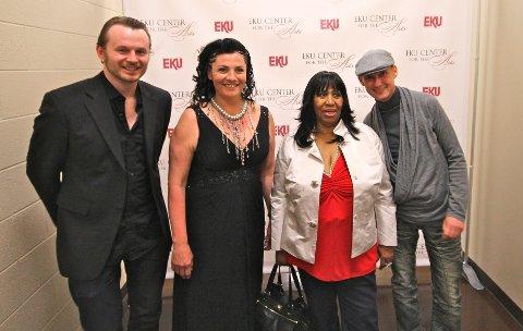 MØTTE FORBILDET I 2012: Knut Anders Sørum (f.v.), Marianne Antonsen, Aretha Franklin og Hans Esben Gihle.
