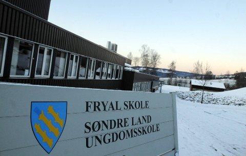 TILBAKE: Alle elevene ved Søndre Land ungdomsskole er tilbake til vanlig skole fra mandag.