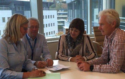 Heidi OPsahl Husum og John Ludvig Berg fra Skatt Øst, Lene Franing og Erik Antonsen fra Statsbygg, FOTO: STATSBYGG