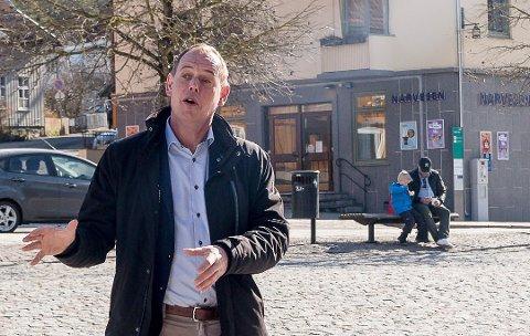 – Med begrenset kapasitet i kollektivtrafikken, vil flere bruke bilen, sier Raanaas. For mange føles det tryggere. Med tanke på at Drøbak er et attraktivt sted å reise til på sommeren, blir parkering viktig,  sier ordfører Hans Kristian Raanaas.