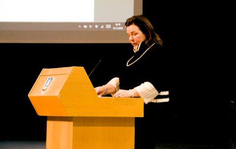 Marie Offenberg i kommunestyret. Foto: Lasse Nordheim