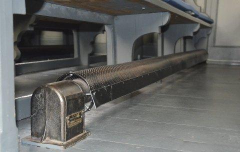 BEKYMRING: Å skifte ut de gamle rørovnene er nødvendig for å gi lavere energiforbruk og bedre brannsikkerhet.