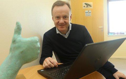 SER BRA UT:  Næringssjef i Våler, Arild Lande, venter også han spent på hvem som får jobben med bredbåndutbygging.  Avgjøreslen tas i mai.