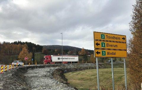 NYE VEIER: Går det som selskapet Nye Veier ønsker vil de sørge for at det på sikt blir betydelig kortere reisetid og en tryggere riksveg 3 fra Kolomoen til Ulsberg.
