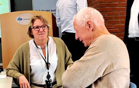 HÅPET LEVER: Sykehussjef Alilce Beathe Andersgaard skal starte på vegen mot Mjøssykehuset i Moelv. Hos Hamar-ordfører Einar Busterud lever håpet om at  kan bli nye vedtak og en annen struktur