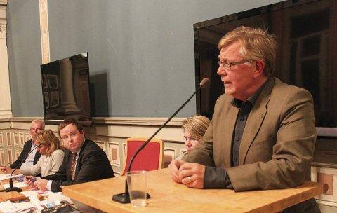 Geirr Frønes holder liv i saken om å flytte domstol fra Skien til Porsgrunn.