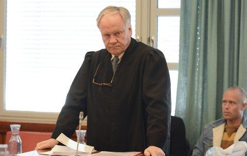 VIL HA OPPHEVET DOMMEN: Sigurd Klomsæt, som er bistandsadvokatene til de pårørende til Linn Madelen Bråthen, krever at dommen i tingretten blir opphevet. Han ønsker seg ny tiltale på drap.