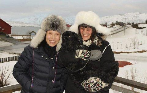 Anna Anita Guttorm og Elin Margrethe Wersland er i full gang med oppfølgeren til «Skole-Petter Anna og Senter for halsbrekkende samiske leker». De lover at boka blir lun, barnslig, morsom og samfunnskritisk.