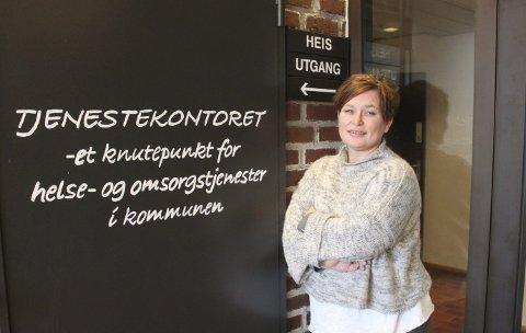LEDER: Marianne Wallestad leder tjenestekontoret som fattet vedtaket fylkeslegen opphevet. Da tjenestekontoret måtte behandle saken på nytt, motregnet de hjelpestønad fra NAV slik at foreldrene som hadde fått medhold ikke fikk mer penger.