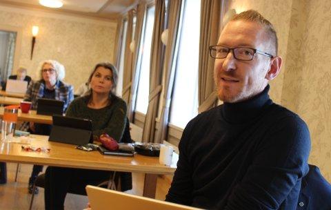 ENIGHET: Karsten Tønnevold Fiane, Sp, Astrid Halvorsen, Sp, og Hege Braathen i Ap, var til slutt enige om forslaget som fikk flertall og ble vedtatt av formannskapet om å få laget forprosjekt både for legevakt på Heistad sammen med Porsgrunn - og på Rugtvedt med Kragerø.
