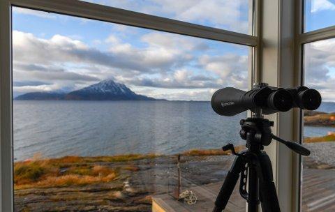 Nå blir det fiber til alle fastboende og bedrifter fra Tonnes til Stokkvågen. Bildet viser utsikten fra Stokkvågen.