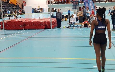 Julienne Simakala hoppet ny personlig rekord i høyde og har forbedret seg mye på denne øvelsen