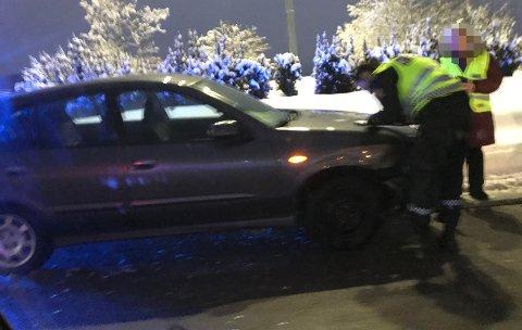 KOLLISJON: Bil og lastebil i kjørte i hverandre ved Rælingstunnelen. Foto: Bjørn Ivar Bergerud