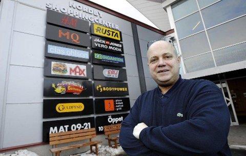 SAVNER KUNDENE: Sentersjef ved Nordby Shoppingcenter Ståle Løvheim mener han driver verdens sikreste senter for øyeblikket.