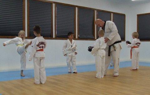 Trening: Bildet er fra mandag da det var trening for den yngste gruppa som trener taekwondo ved Pulsgården treningssenter.