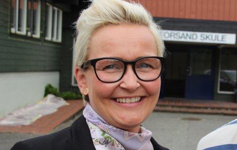 TIL TAU: Monica Helgøy jobbet på Tau ungdomsskole som lærer før hun gikk til rektorjobben på Forsand.