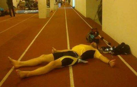 TOM: Helge Reinholt etter 141 km på 24 timer på Bislett i 2013.