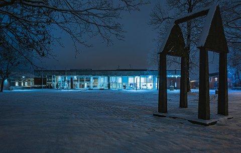 IBSENHUSET: Ibsenhuset i vinterstemning