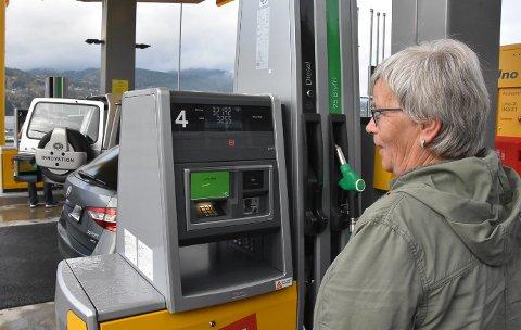 9.98: Karin Fegri kan ikke huske sist hun fylte diesel for under 10 kroner.